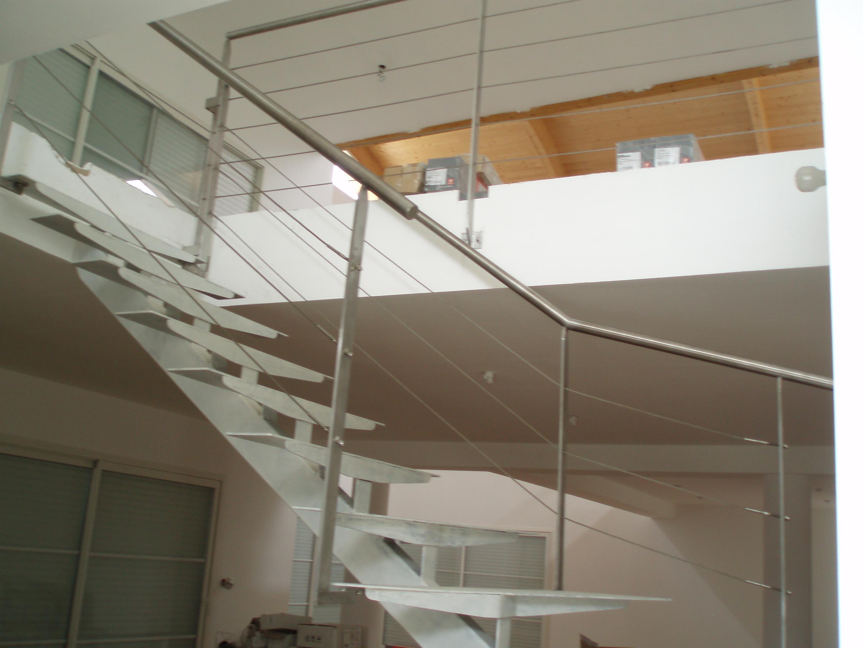 Fabrication escalier avec limon central - Escalier a limon central ...